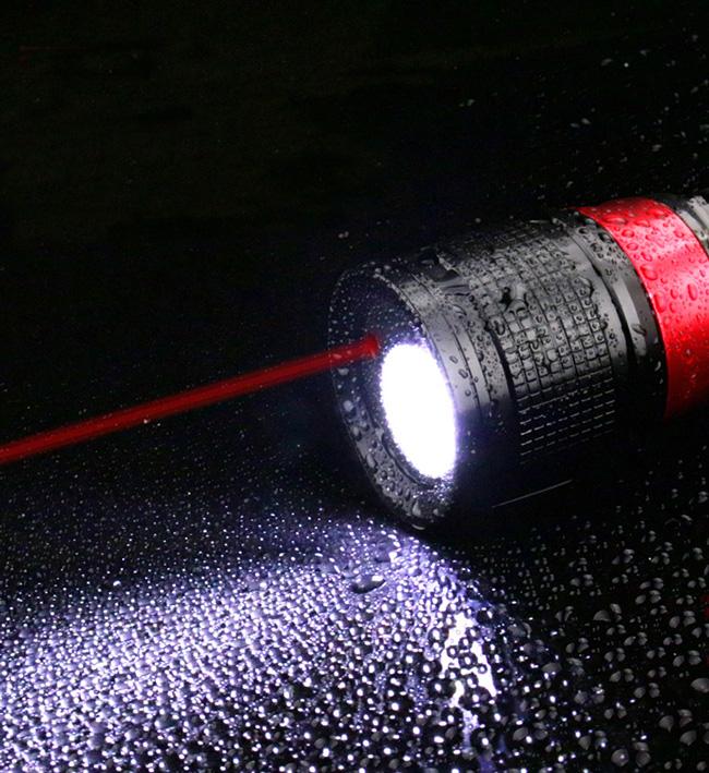 レーザー ポインター 付き フラッシュ ライト