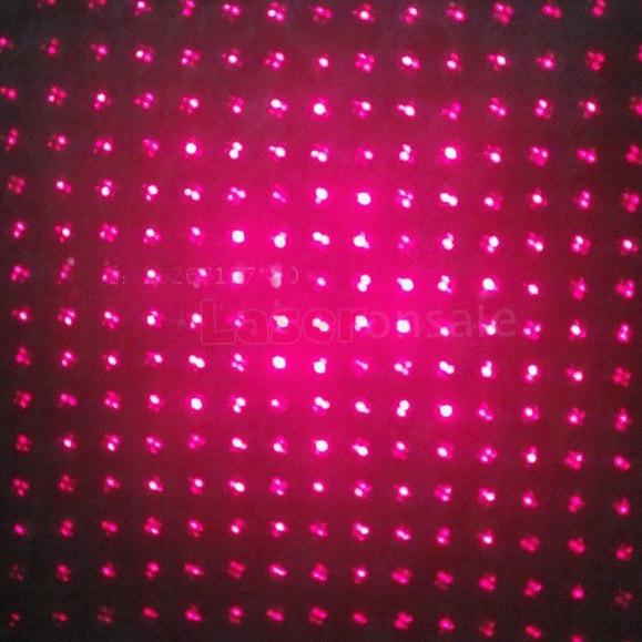 赤と緑のレーザーポインター
