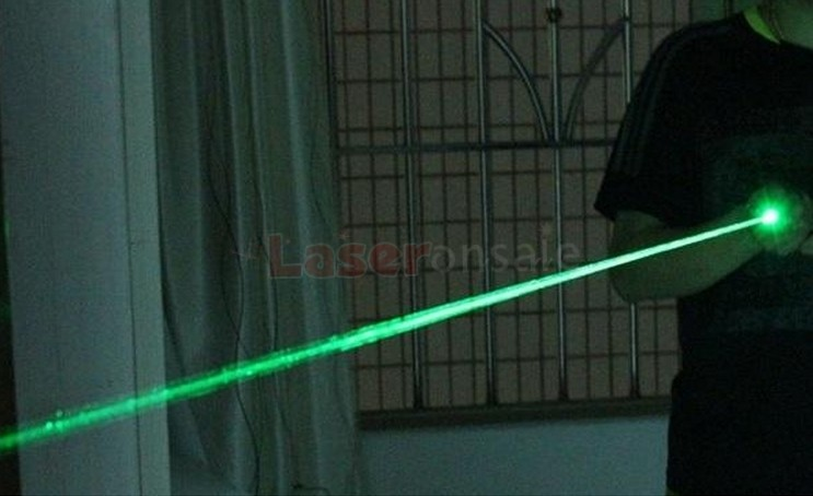 200mW 強力レーザー懐中電灯 緑色レーザーポインター
