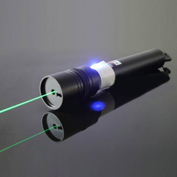 緑色レーザーポインター グリーン レーザー懐中電灯 ピント調節可