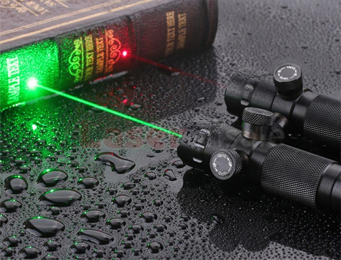 レーザー精密照準器
