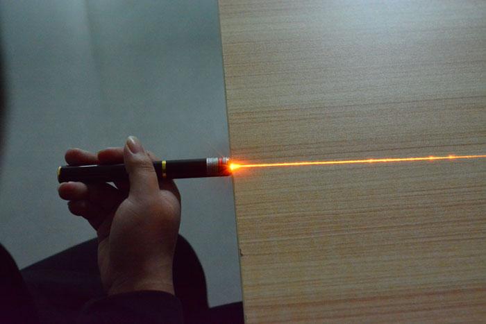 レーザーポインター50mw黄