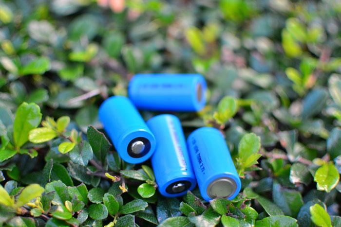16340電池レーザーポインター3.7V