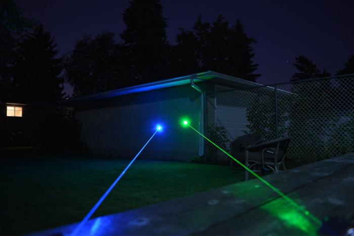 最強青色光レーザー 懐中電灯